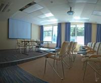 Зал для конференций, семинаров, тренингов в Ленобласти вместимостью до 40 человек