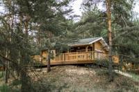 2х местный коттедж с панорамными окнами в лесу