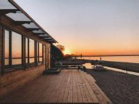 Панорамная беседка на берегу Ладоги